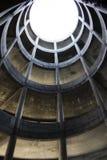 Rampe circulaire dans un garage photographie stock libre de droits