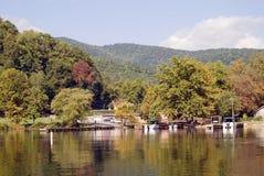 Rampe de bateau sur le lac Image libre de droits