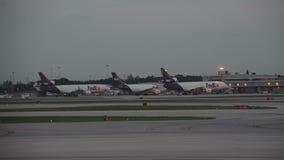 Rampe de cargaison de Fedex dans le Fort Lauderdale, FL banque de vidéos