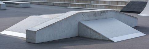 Rampen i skridskon parkerar som en panorama arkivbilder