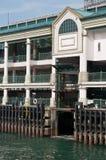 Rampes centraux de pilier - trois niveaux photos libres de droits