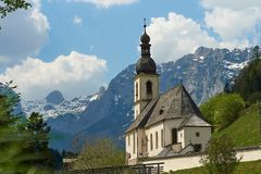 Ramsau Kirche St Sebastian Berchtesgaden Bavaria - Tyskland arkivbilder
