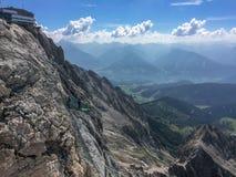 Ramsau sono Dachstein, Steiermark/Austria - 13 settembre 2016: Vista del ghiacciaio di Dachstein sul modo della passeggiata del p fotografia stock
