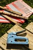Ramschverkauf-Signage und Klammergerät Lizenzfreies Stockbild