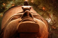 Ramses II e galassia M83 (elementi di questa immagine ammobiliati da Na fotografia stock libera da diritti
