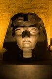 Ramses II en Night_Luxor Foto de archivo libre de regalías