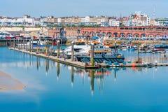 Ramsgate's皇家港口小游艇船坞 免版税图库摄影