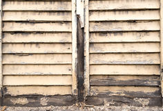 Ramshackled-Fensterläden Lizenzfreies Stockfoto