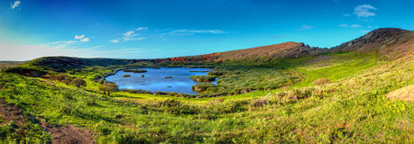 Rana Raraku krater na Wielkanocnej wyspie Światowego Dziedzictwa miejsce Rapa Nui park narodowy Fotografia Royalty Free