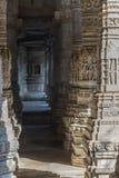 Ranakpur India, Luty, - 2, 2017: Wnętrze majestatyczna jainist świątynia przy Ranakpur, Rajasthan, India Architektoniczni szczegó Zdjęcia Royalty Free