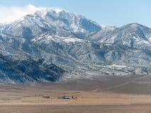 Ranch alla base del picco di frontiera Fotografia Stock Libera da Diritti