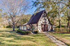 Ranch-Art-Ausgangs-Äußer-moderne Architektur-Real Estate-Ansicht-im amerikanischen Stil Traumhaus lizenzfreie stockfotos