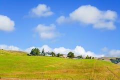 Ranch an einem vollen Tag lizenzfreies stockfoto
