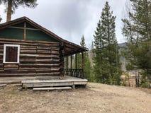 Rancho de gajo rústico da cabana rústica de madeira desde 1920 s no parque nacional foto de stock royalty free