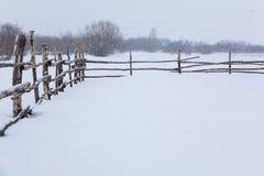 Rancho de la montaña en invierno Foto de archivo libre de regalías
