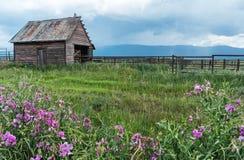 Rancho del valle de Sierra fotos de archivo