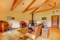 rancho koński wielki żywy pokój zdjęcie royalty free