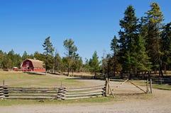 Rancho rojo del granero del vintage Fotos de archivo