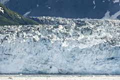 Rand des Gletschers, der den Ozean in Alaska erreicht. Lizenzfreie Stockfotos