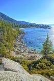 Rand von Lake Tahoe lizenzfreies stockfoto