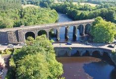 Randalstown wiaduktu Kolejowy most nad rzecznym Maine Antrim P??nocny - Ireland fotografia stock