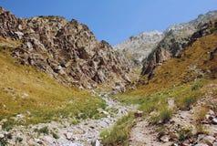 Randen van Westelijk Tien Shan in Augustus Royalty-vrije Stock Afbeeldingen