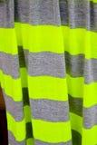 Randig torkduk för grå färger och för gräsplan Arkivbild