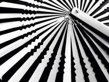 randig white för bakgrundsblack Arkivbild