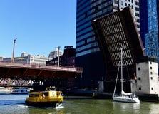 Randolph Street Bridge i lyftt position Royaltyfri Foto