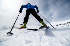 Randonee-Skifahrenabschluß oben Stockfoto