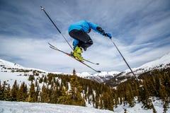 Randonee-Skisprung Stockfotos