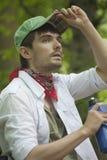 Randonneur dans la forêt Photo libre de droits