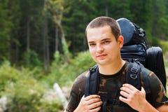 Randonneur dans la forêt Photo stock