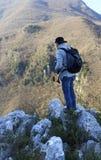Randonneur de montagne photos libres de droits