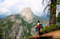 Randonneur de Yosemite Photographie stock libre de droits