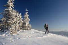 Randonneur en montagnes photos stock