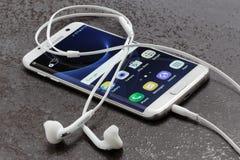 Randweißperle Samsungs-Galaxie-S7 Stockfotografie