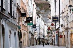 Ranek Getreidegasse w Salzburg (ulica) Zdjęcia Stock