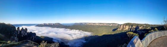 Ranek mgła przy punktem obserwacyjnym zdjęcia royalty free