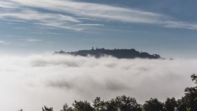 Ranek mgła blisko Montepulciano zbiory