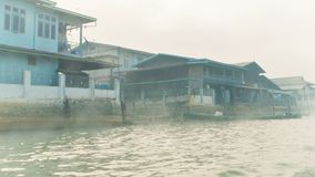 Ranek na rzece - sposób Inle jezioro Obrazy Stock
