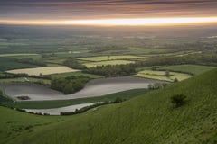 Ranek nad tocznym Angielskim wieś krajobrazem w wiośnie Obrazy Royalty Free