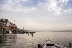 Ranek przy Ganga rzeką varanasi indu Obraz Royalty Free
