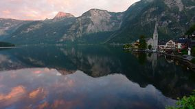 Ranek strzelał Hallstatt - piękno Alps zbiory