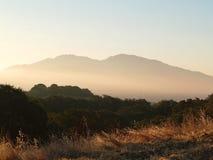 ranek wczesny mgłowy widok górski Obraz Royalty Free