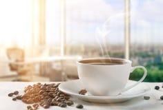 Ranek z filiżanką kawy Obrazy Royalty Free