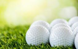 Rangée de boule de golf image libre de droits