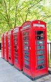 Rangée de cabine de téléphone rouge à Londres Photographie stock
