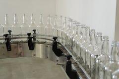 Rangée de mise en bouteilles photo stock