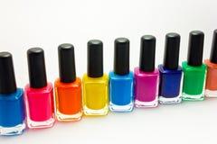 Rangée de vernis à ongles coloré Images stock